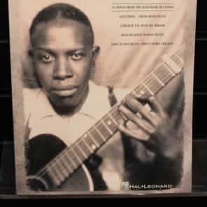 Hal Leonard Robert Johnson - The New Transcriptions