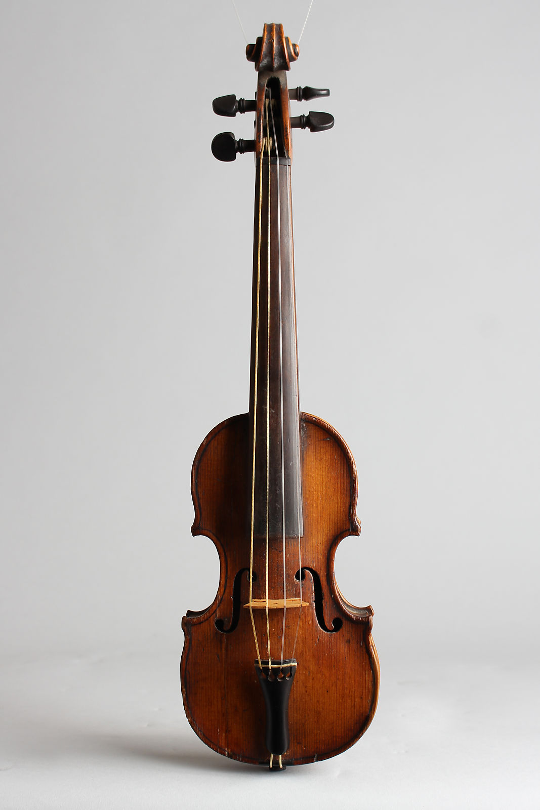 Pouchette Violin, molded plastic hard shell case.