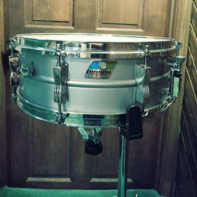 "Ludwig L-404 Acrolite 5x14"" Aluminum Snare with Rounded Blue/Olive Badge 1980s Serial#3113597"