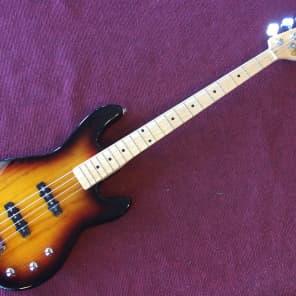 G&L Tribute Series JB-2 Bass 3-Tone Sunburst w/ Maple Fretboard
