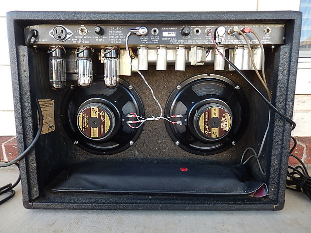 1980 fender 30 amp 2x10 two channel w footswitch manual reverb. Black Bedroom Furniture Sets. Home Design Ideas