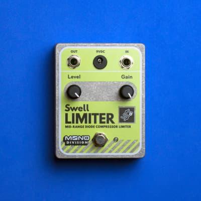 Mono Division Swell Limiter — Mid-Range Lo-Fi Compressor Limiter Pedal