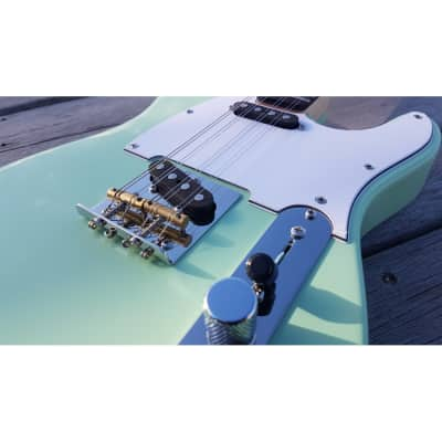 Fanner Guitar Works Pixelator Electric Ukulele 8 String Mandola. 2019. Sea Foam Green.