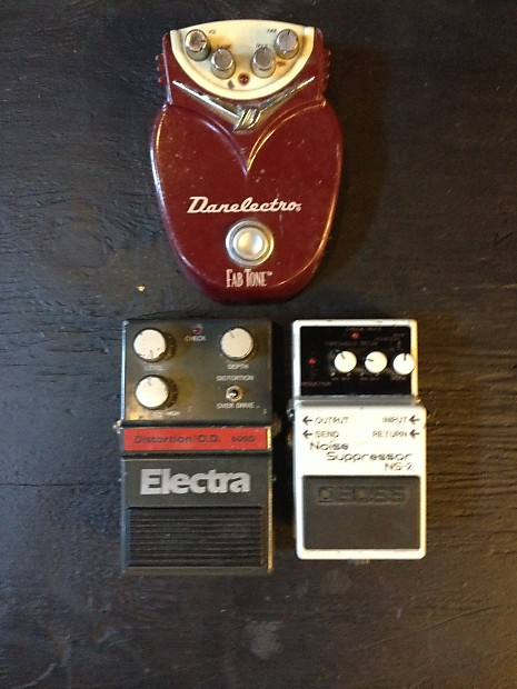 Lot Of Pedals Ns2 Fab Tone And Electra 600d | Mom's Music