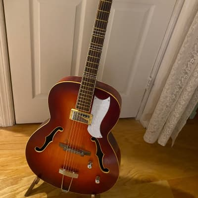 Lignatone JAZZ , HOFNER  style Vintage Archtop  Gibson pick guard for sale