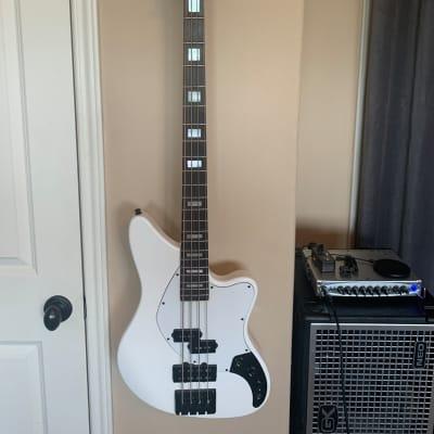 Balaguer  Growler Bass White for sale