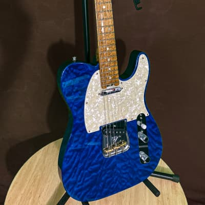 FENDER   Custom Shop ELITE QMT Shapire NOS  2018 Custom Shaphire Blue