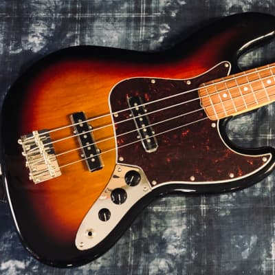 Fender '60s Jazz Bass w/ Rosewood Fretboard | 3-Color Sunburst - Authorized Dealer for sale