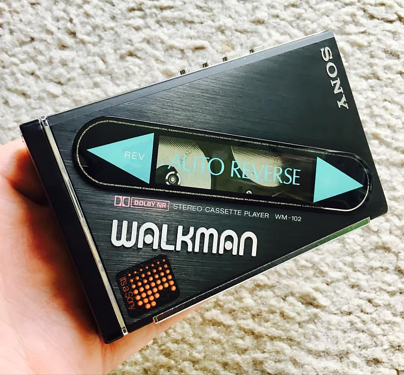 Sony WM 102 Walkman Cassette Player, Super Cool Black !! Tested & Working !!