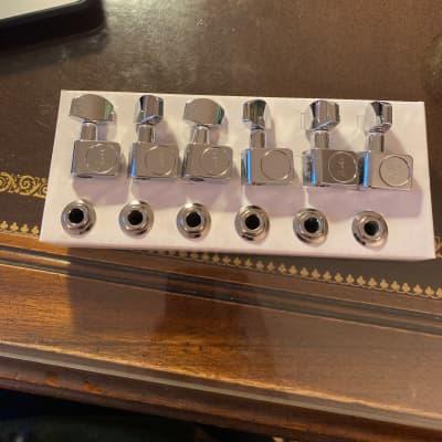 Fender Standard Strat Tuners