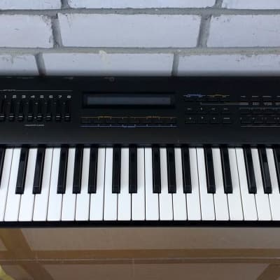 ROLAND JV-80 Multi-timbral Performance Synthesizer w/SR-JV80-02 Orchestral board!