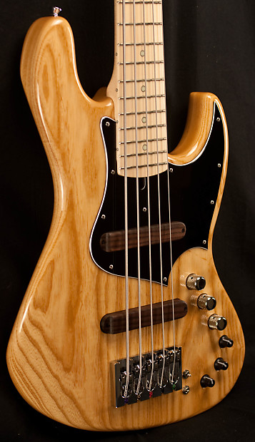 xotic xj 1t 5 string natural bass guitar reverb. Black Bedroom Furniture Sets. Home Design Ideas