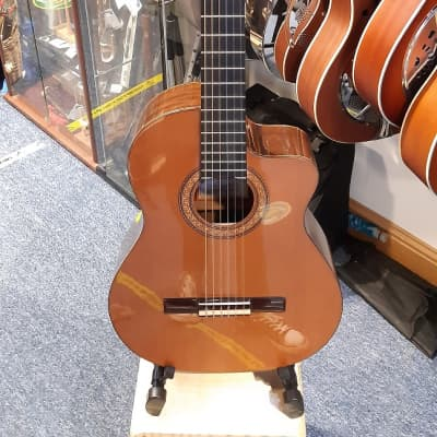 Ramirez Ramirez R1CWE Electro-acoustic Classical Guitar 2008 for sale