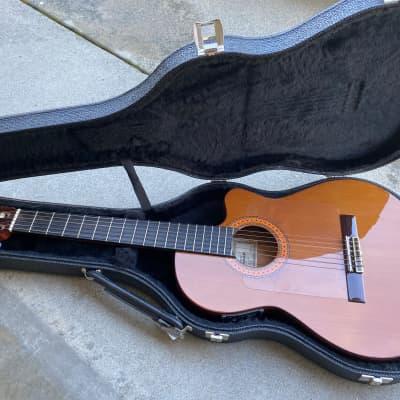 Almansa CTWE 435 EL Classical Cutaway