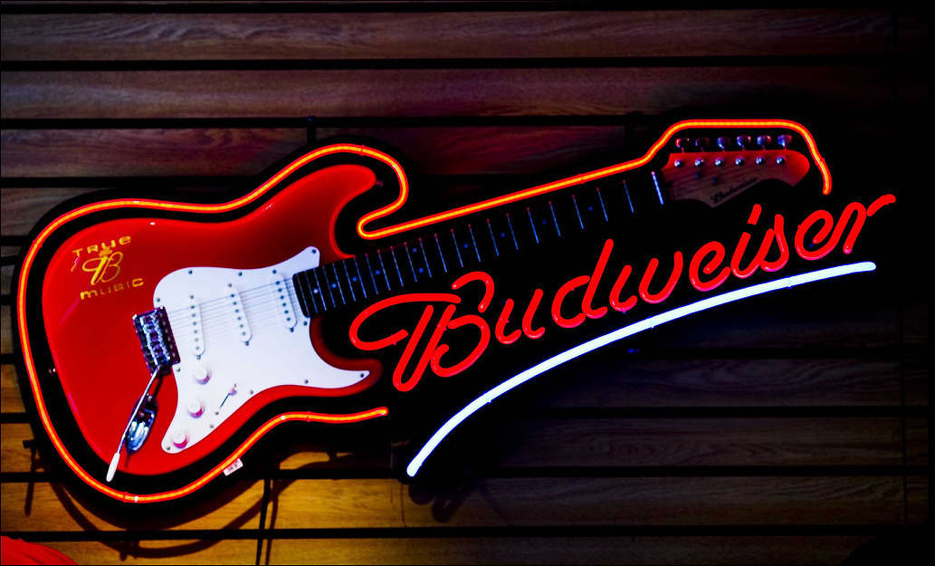 A wide variety of guitar neon sign options are available to you, such as neon lights, light strips. You can also choose from ip67, ip68, and ip As well as from pvc, abs, and aluminum. And whether guitar neon sign is yellow, red, or white. There are guitar neon sign suppliers, mainly located in Asia.