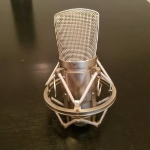 CAD GXL2400 Large Diaphragm Cardioid Condenser Microphone