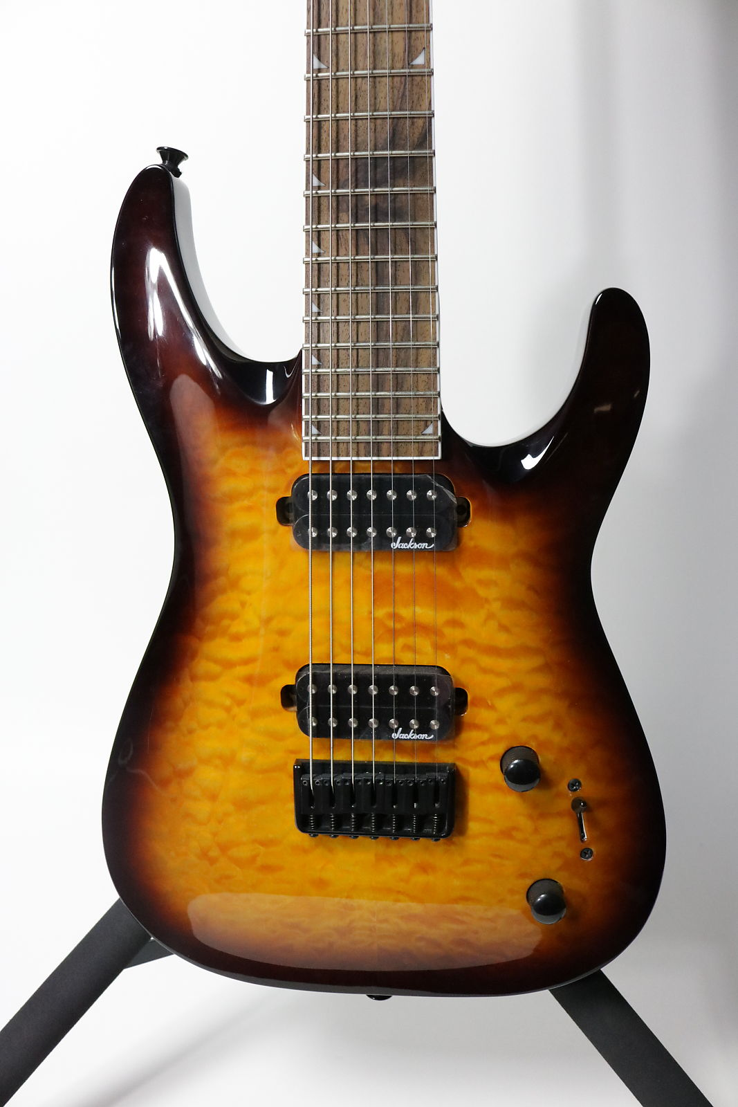 Jackson JS32-7Q Tobacco Burst Floor Model