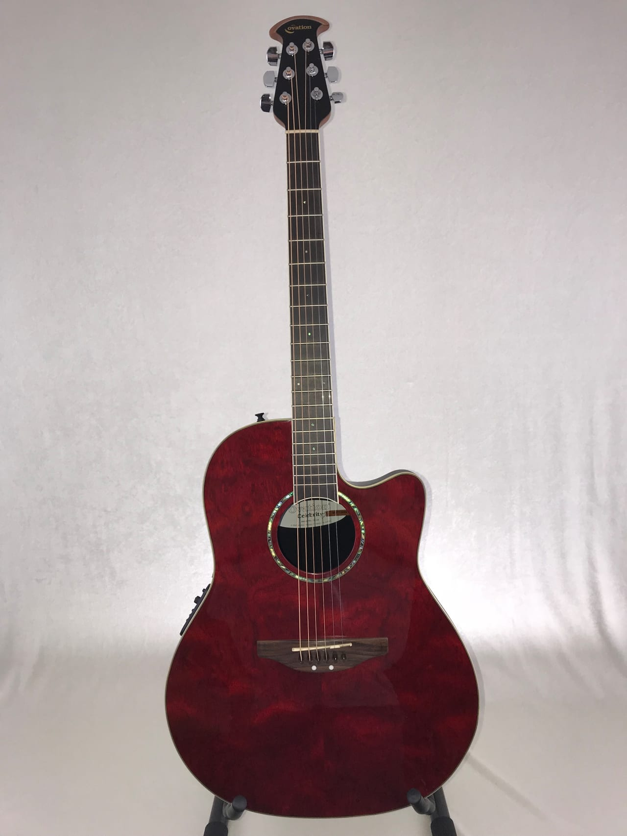 Ovation CC24 Celebrity Acoustic Electric - Instrument Pro