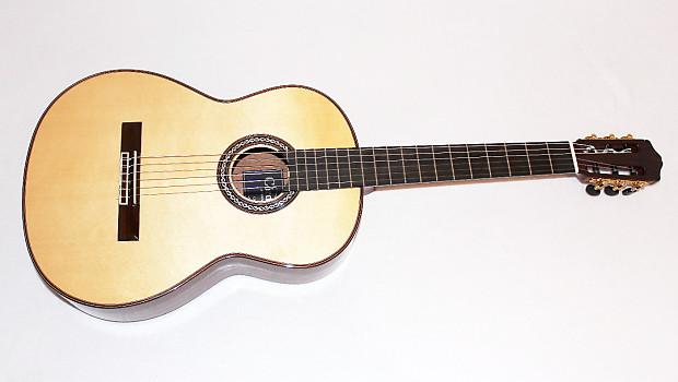 a41c14da3 Cordoba C9 SP MH Spruce Top Acoustic Nylon String Classical