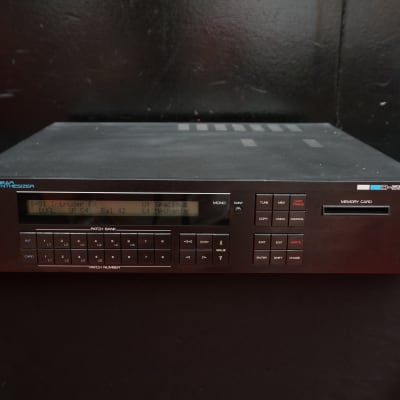 Roland D-550 80's Digital Linear Polyphonic 2U Synthesiser w/ Effects - 240V