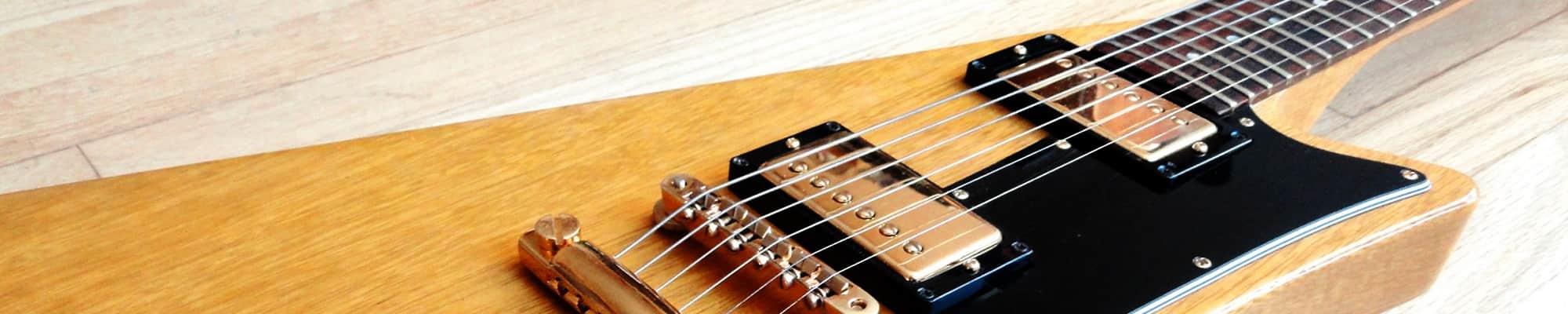 Datant Kalamazoo guitares