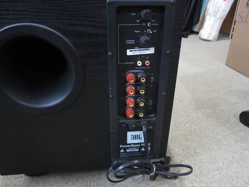 JBL powerbass PB10 powered subwoofer Mint Condition