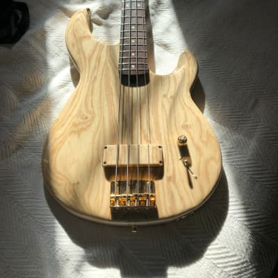 Luthier made 4 string, swamp ash, wenge, MMJ