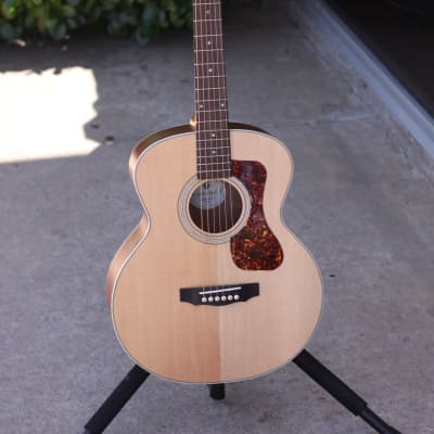 39cfd438b3e Guild Jumbo Junior Acoustic Guitar with Mahogany back & sides - Free  Shipping