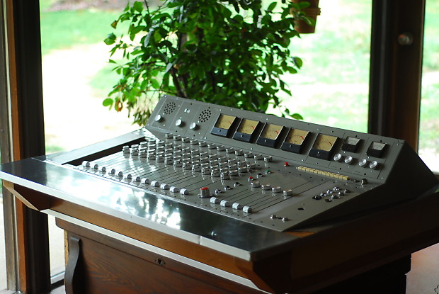 1960 39 s braun electronics 12 4 tube recording console reverb. Black Bedroom Furniture Sets. Home Design Ideas