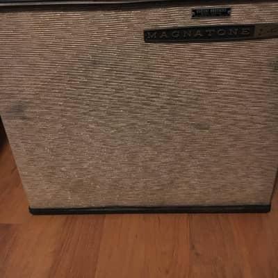 Magnatone M7 Suitcase Amp 1960s Black/Gold