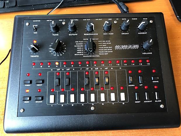 ladyada x0xb0x (xoxbox) Roland TB-303 clone | anotherlin