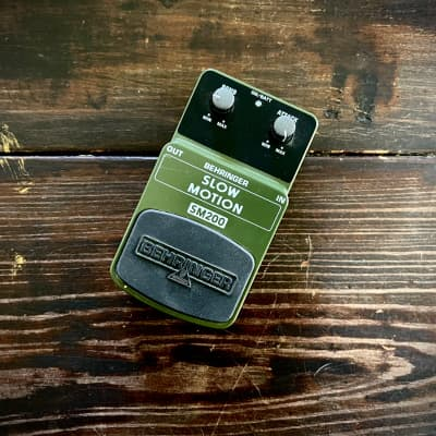 Behringer SM200 Slow Motion Attack Effect Pedal (slow gear clone)