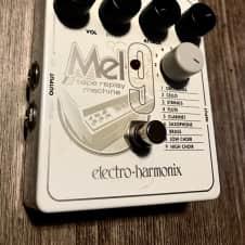 Electro-Harmonix MEL9 Tape Replay Machine Mellotron Pedal