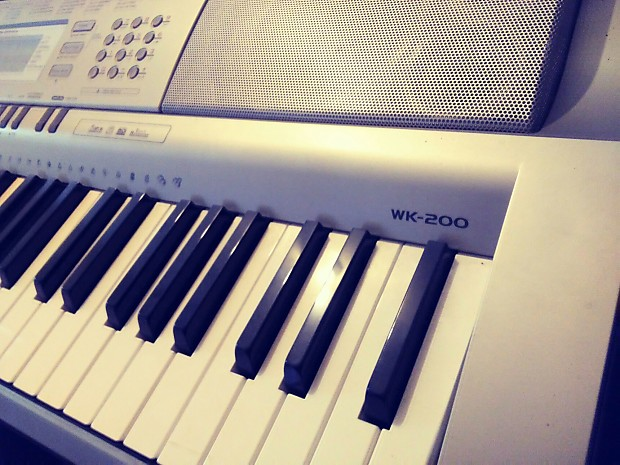 Casio WK-200 Sampling 76 Key Arranging Keyboard Workstation USB/Midi  Synthesizer