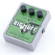 Electro-Harmonix Bass Big Muff Pi Fuzz Guitar Effects Pedal P-05428
