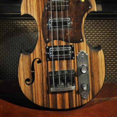 Postal Continental Flyer Short Scale Violin Bass Zebrawood TV Jones Thunder'trons Schaller 3D Bridge