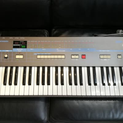 Korg Poly-61 Analogue Programmable Polyphonic Synthesizer