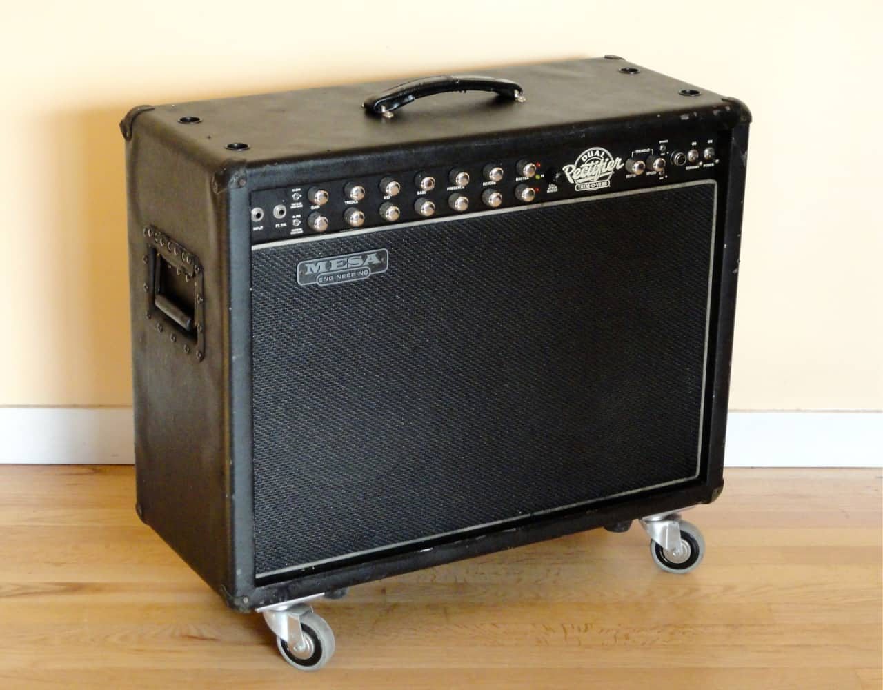 mesa boogie dual rectifier tremoverb 2x12 tube combo reverb. Black Bedroom Furniture Sets. Home Design Ideas