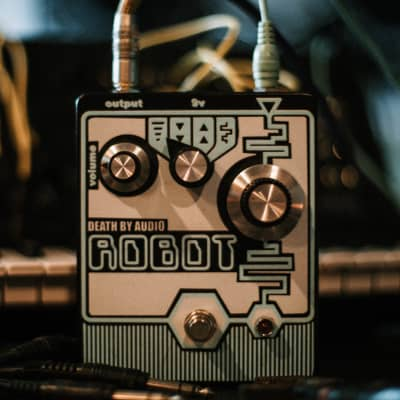 Death By Audio Robot 8-Bit Transposer and Fuzz Pedal