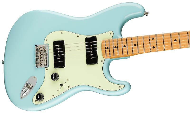 Noventa Stratocaster in Daphne Blue