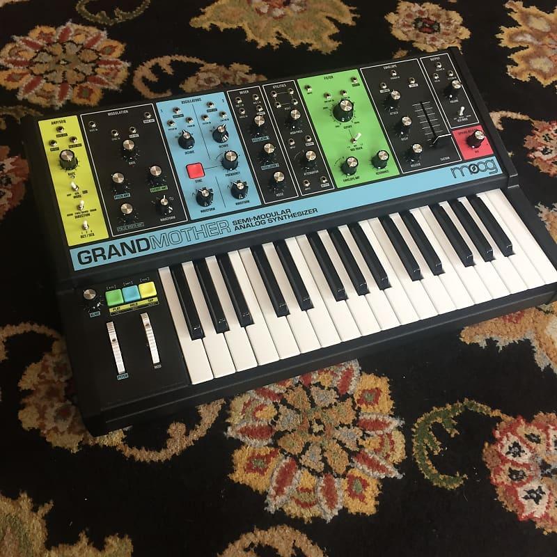 moog grandmother 32 key semi modular analog synthesizer reverb. Black Bedroom Furniture Sets. Home Design Ideas