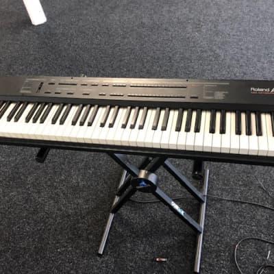 Roland A-33 76-Key MIDI Keyboard Controller - SM1 2215