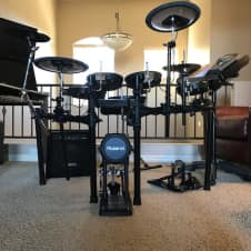 Roland TD-15K Drumset; extra pad, extra cymbal, hardware and accessories included, original boxes