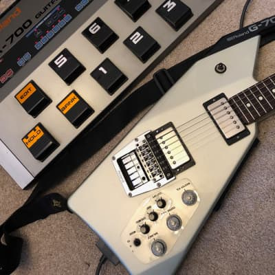 Roland G707  Silver plus GR700 Synth Pedalboard for sale
