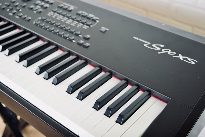 yamaha s90xs 88 key piano keyboard synthesizer in near mint reverb. Black Bedroom Furniture Sets. Home Design Ideas