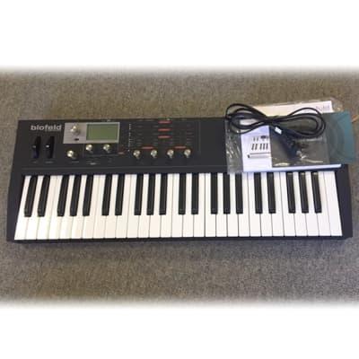 Waldorf Blofeld Desktop Digital Synthesizer Black Return