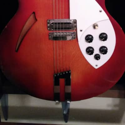 Rickenbacker330F1959 - 1960