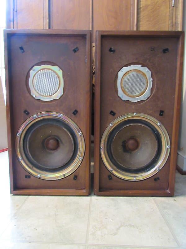 Custom Made Mahogany Speaker Stands for KLH Model 17 Speakers
