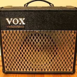 Vox Valvetronix AD30VT 30-Watt 1x10 Modeling Guitar Combo