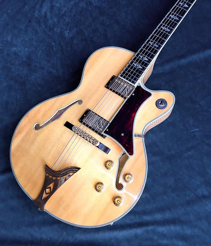 Barrington AT-2 George Gruhn Signature Archtop Jazz Guitar - Flamed - Solid  Spruce Top - HSC - Rare